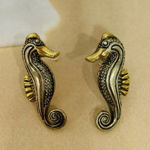 Vintage Metal Seahorse Pierced Earrings